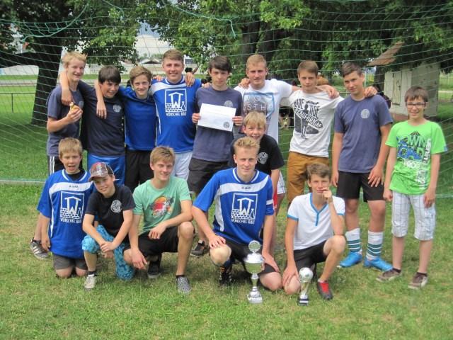 Messdiener erfolgreich bei Messdienerfußballturnier im eigenen Dorf