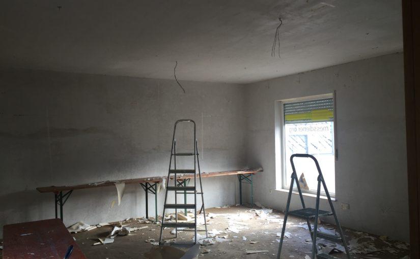 Bautagebuch, Seite 2: Lampen ab, Teppich raus